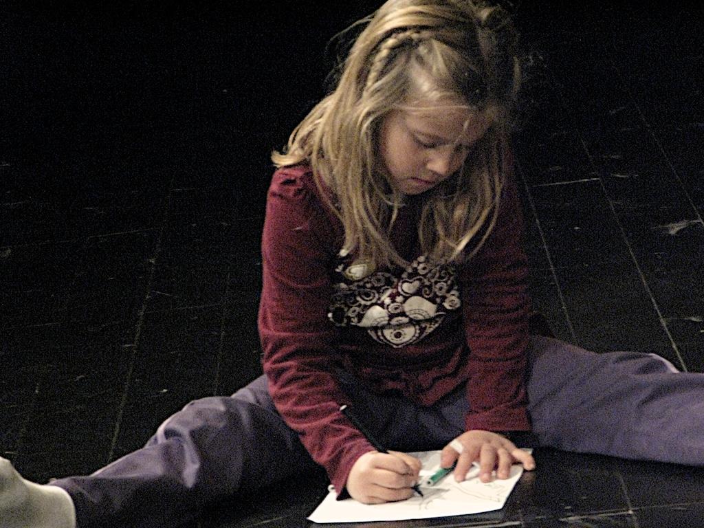 Fotografía de uno de los niños del taller para La Danza de la Vida